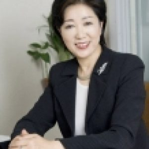 Governor Koike's support rate, 74% of the threat