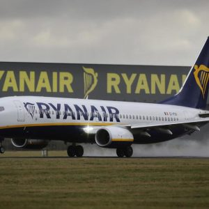 .@Ryanair is one of the best stocks for 2018:  $RYAAY ...